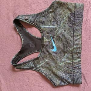 Nike patterned Victory bra
